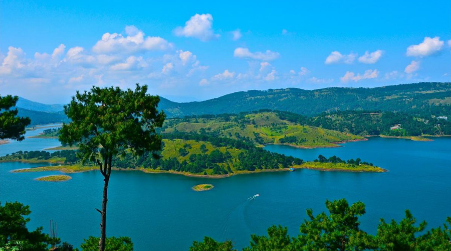 Barapani or Umiam Lake in Shillong, Meghalaya