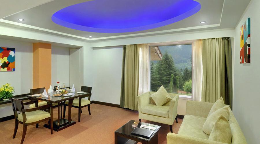 Apple Country Resorts, Manali Honeymoon Suite