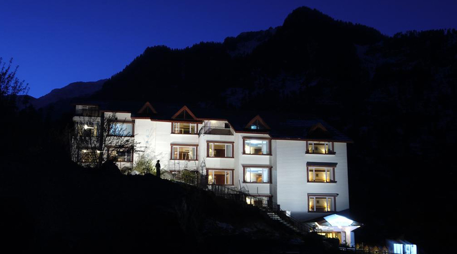 Apple Country Resorts, Manali Night View