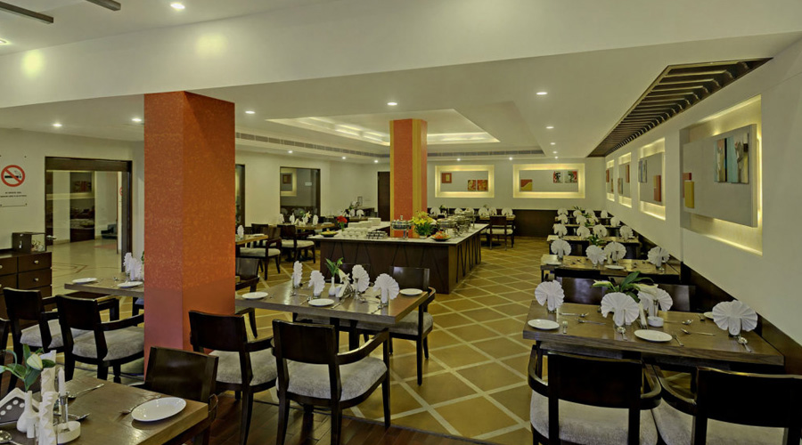 Apple Country Resorts, Manali Restaurant Interior