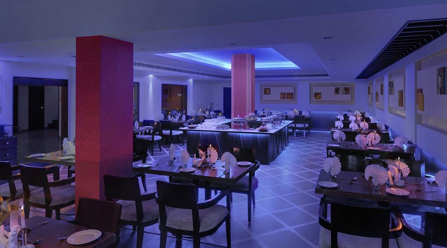 Apple Country Resorts, Manali Restaurant Interior