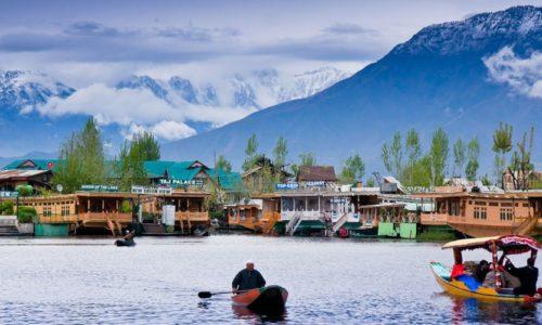 Shikara Ride, Dal Lake, Srinagar, Jammu and Kashmir, India