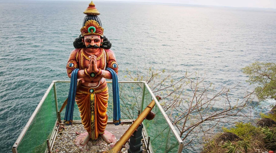 Ravana Statue @ Koneswaram Temple, Trincomalee, Sri Lanka, Asia