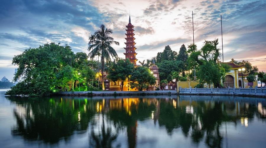 Tran Quoc Pagoda, Buddhist Temple in Hanoi, Vietnam, Asia