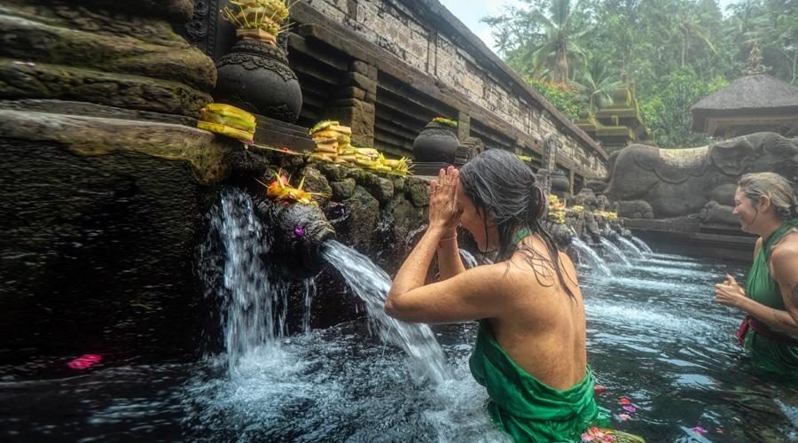 Romantic, Tirta Empul Temple, Tampaksiring, Bali, Indonesia, Asia