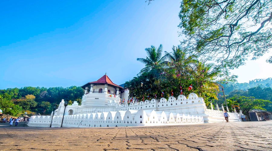 Temple of the Sacred Tooth Relic, Kandy, Sri Lanka, Asia